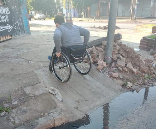 La Municipalidad de Quilmes construye rampas antirreglamentarias